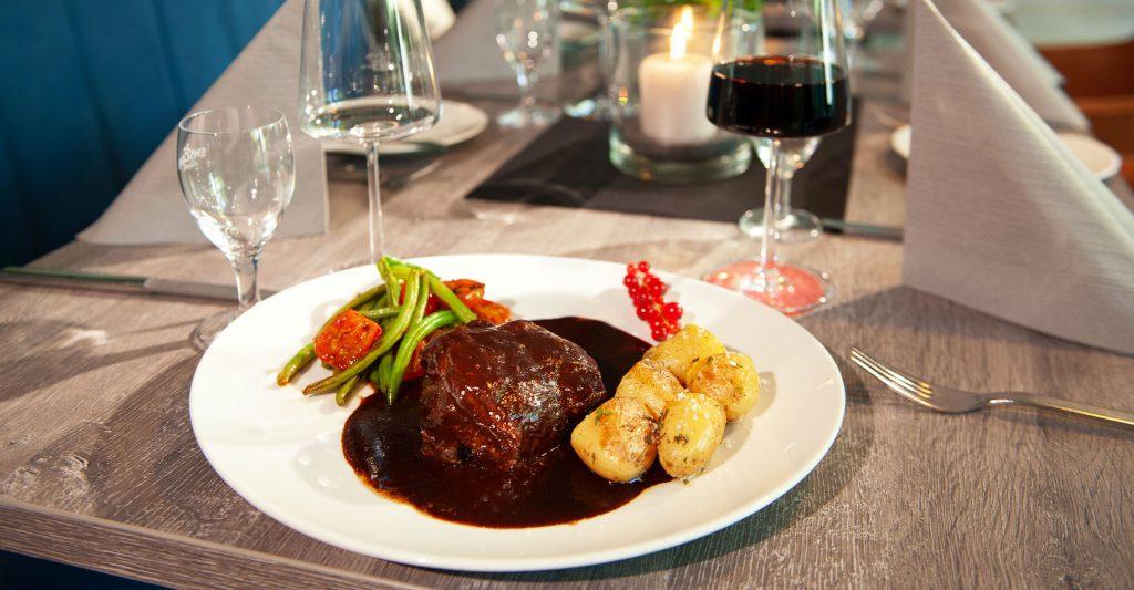 Speisen im Restaurant und Gasthof Rheinischer Hof in Dinklage